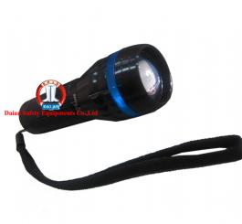 Đèn pin L29-3 thép đen ( đèn 14 bóng ) có zoom + 3 pin đũa