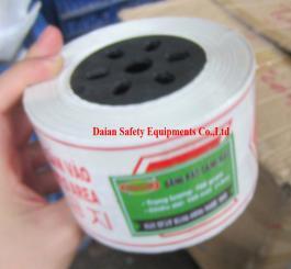 Dải chắn đường nilon mỏng L2 (100m/cuộn) loại 2 lớp ( mầu trắng đỏ )