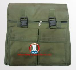 Túi bạt sịn loại to đại đinh có quai sách (40 x 42) cm